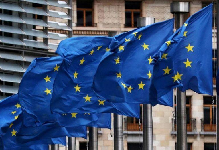 Η ΕΕ κάνει πίσω για τον περιορισμό εξαγωγών εμβολίων στη Β. Ιρλανδία | tanea.gr