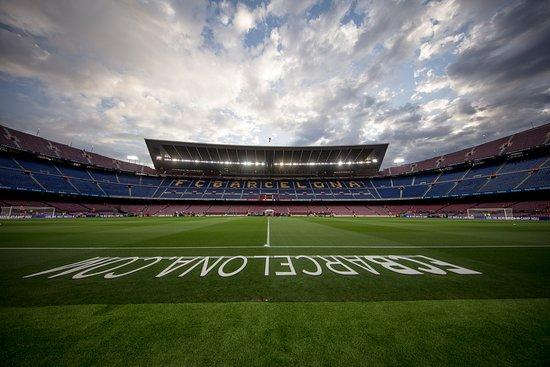 Απώλεια εσόδων πάνω από 2 δισ. ευρώ για τους 20 πλουσιότερους ποδοσφαιρικούς συλλόγους εξαιτίας της πανδημίας   tanea.gr