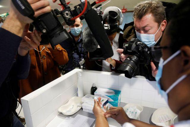 Η πανδημία μεγάλωσε τη δυσπιστία των πολιτών απέναντι σε πολιτικούς και media – Ποιοι είναι πιο επιφυλακτικοί για τα εμβόλια | tanea.gr
