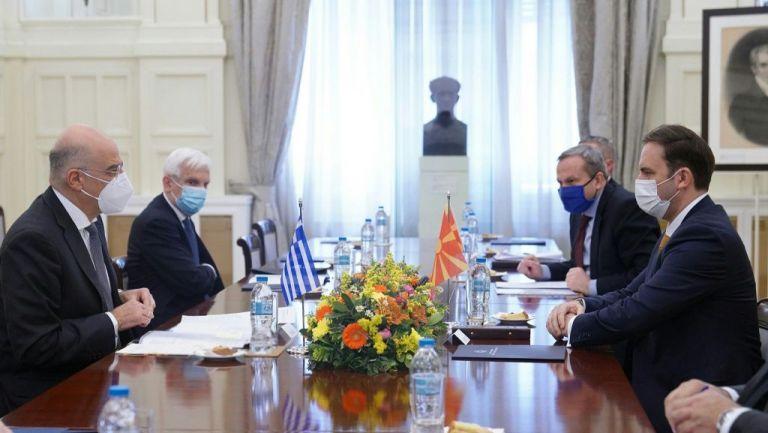 Με Οσμάνι συναντήθηκε ο Δένδιας – Τρία μνημόνια συνεργασίας υπέγραψαν Ελλάδα και Βόρεια Μακεδονία | tanea.gr