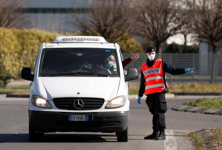 Σε συναγερμό η ιταλική αστυνομία – Φόβοι ότι η μαφία θα προσπαθήσει να κλέψει εμβόλια | tanea.gr
