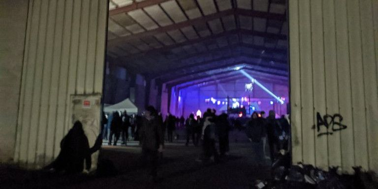 Γαλλία – κοροναϊός : Απίστευτες σκηνές σε παράνομο πάρτι με 2.500 άτομα | tanea.gr