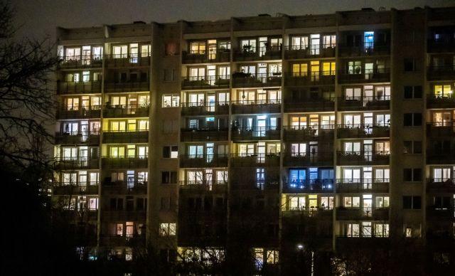 H Eυρώπη ξανακλείνεται στο σπίτι υπό το φόβο του τρίτου κύματος | tanea.gr