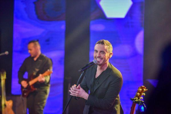 Με «Πάρτι» ξεκίνησε ο Μιχάλης Χατζηγιάννης τη μοναδική του συναυλία | tanea.gr
