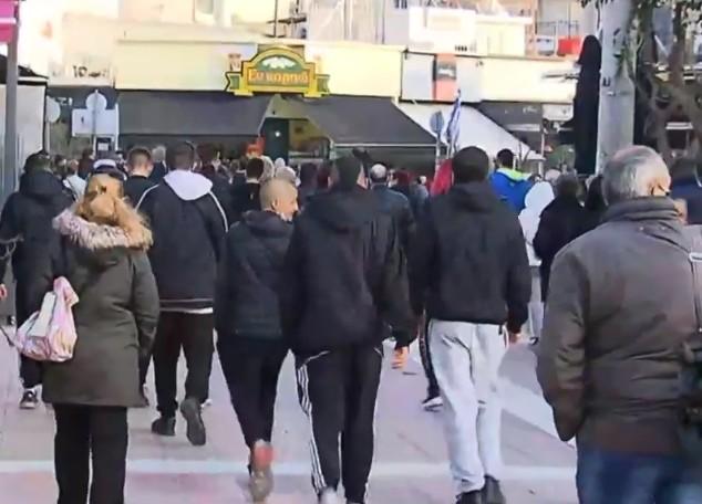 Κοροναϊός : Απίστευτος συνωστισμός σε διαμαρτυρία για το lockdown στον Εύοσμο   tanea.gr