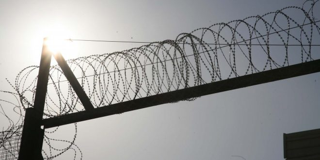 Στη φυλακή ο 62χρονος καθηγητής που κακοποιούσε σεξουαλικά ανήλικο επί 7 χρόνια   tanea.gr