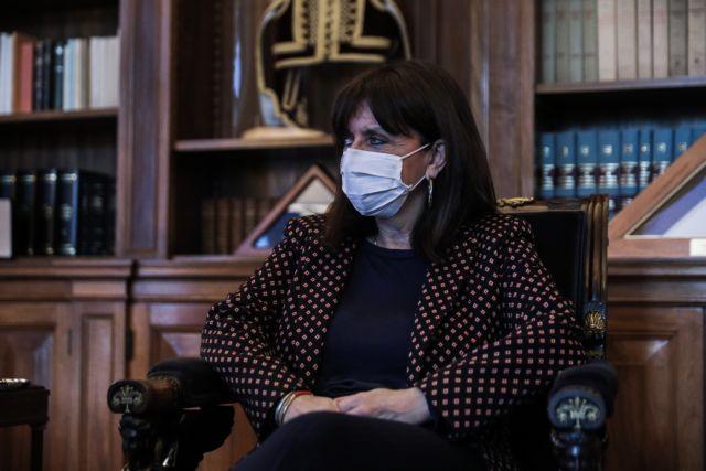 H Κατερίνα Σακελλαροπούλου μίλησε με τον Σπύρο Μπίμπιλα | tanea.gr
