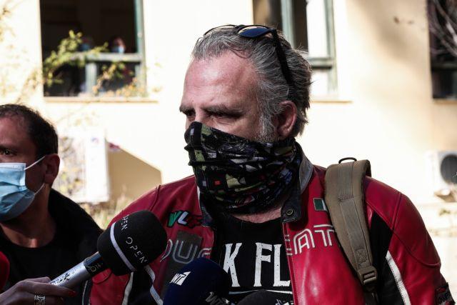 Ο Τσαρούχας καταθέτει τους φακέλους του ΣΕΗ με τις υποθέσεις σεξουαλικής βίας στον Εισαγγελέα | tanea.gr