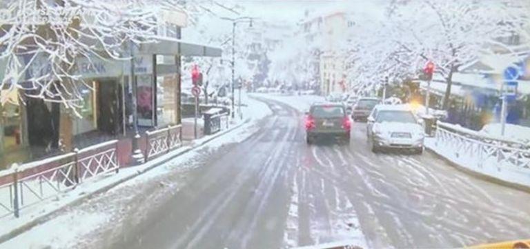 Κι όμως βγήκε εκχιονιστικό στους δρόμους του Κολωνακίου | tanea.gr