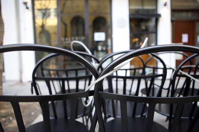 Γιάννιτσα : Άνοιξε την καφετέρια και σέρβιρε καφέ σε πελάτες | tanea.gr