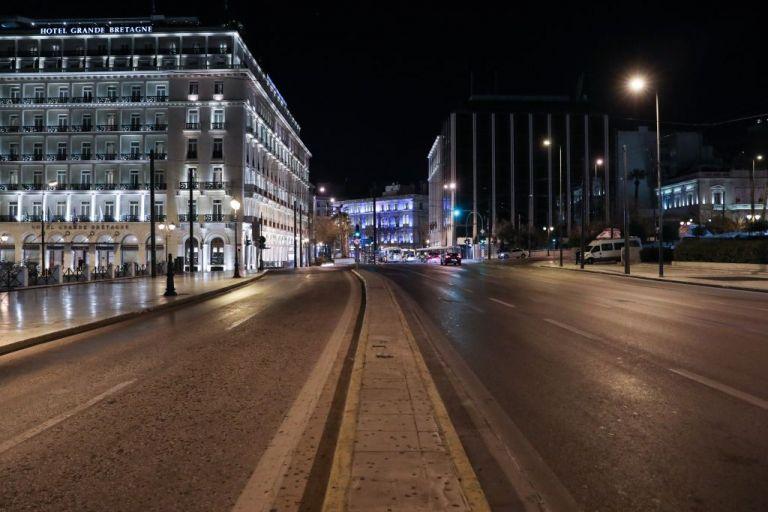 Κοροναϊός : ΜΕΘ «ασφυκτιούν», περιοχές κοκκινίζουν και το lockdown… παίρνει ήδη παράταση | tanea.gr