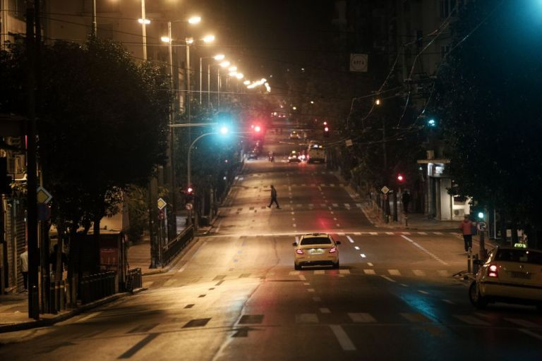 Κοροναϊός : Σε lockdown 6 εκατομμύρια Έλληνες – Τα μέτρα, η «ανυπακοή» και οι προβλέψεις | tanea.gr