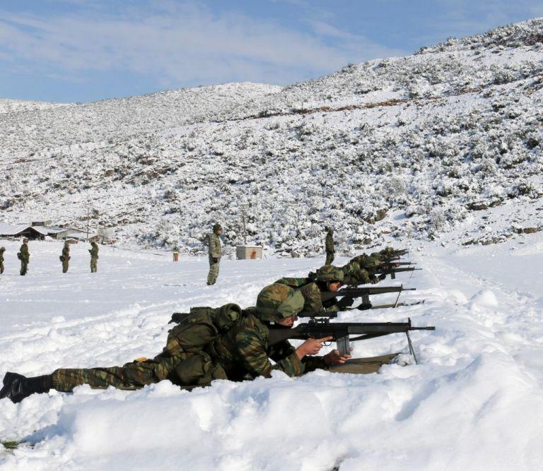 Eντυπωσιακές εικόνες και βίντεο από τη χειμερινή εκπαίδευση των σπουδαστών των ΣΣΕ και ΣΜΥ | tanea.gr
