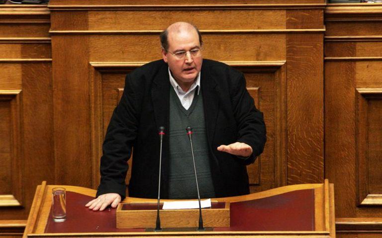 Φίλης για Κουφοντίνα : Έχει τα ίδια δικαιώματα με κάθε φυλακισμένο | tanea.gr