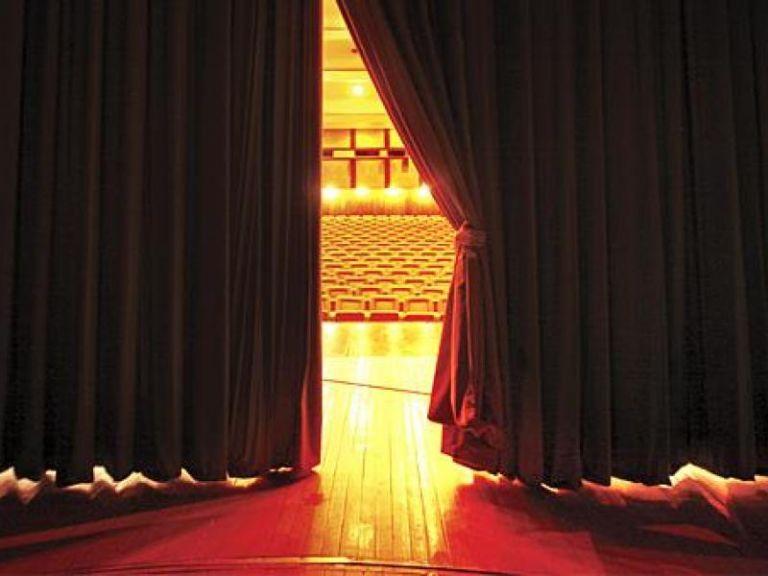 «Θέατρο με ανοιχτές κουΐντες μετά από πολλά χρόνια…» | tanea.gr