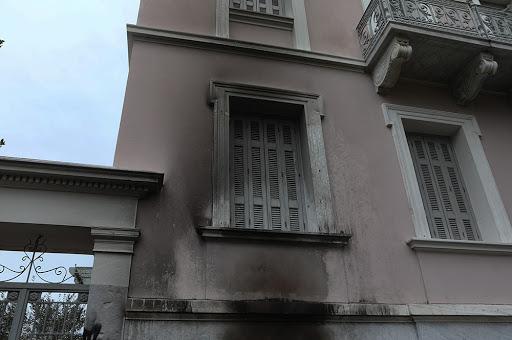 Επίθεση με γκαζάκια στο Ίδρυμα Μητσοτάκη | tanea.gr