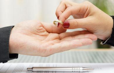 Διαζύγιο με ένα κλικ - Ολες οι μεγάλες αλλαγές για τα ζευγάρια που χωρίζουν | tanea.gr