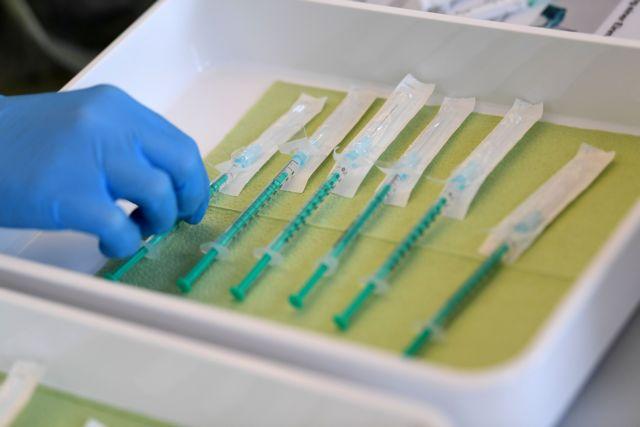 Ανοίγει την Παρασκευή η πλατφόρμα των ραντεβού για τον εμβολιασμό 75-79 ετών   tanea.gr
