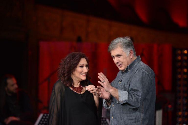 «Σπίτι με το MEGA»: Η Ελένη Βιτάλη πήρε την «Ταχεία» για την κορυφή του Twitter | tanea.gr