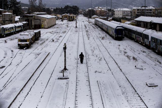 Κακοκαιρία : Με αλυσίδες η κυκλοφορία σε μεγάλο μέρος της ηπειρωτικής χώρας   tanea.gr
