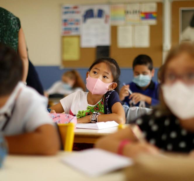 Γαλλία : Υποχρεωτικά με χειρουργικές μάσκες οι μαθητές «με στόχο να παραμείνουν τα σχολεία ανοιχτά» | tanea.gr