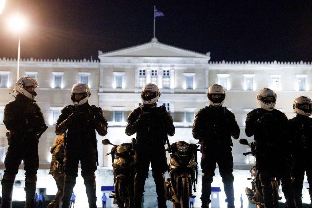 Κάμερες στις στολές και ψυχογραφικά τεστ για αντιμετώπιση της αστυνομικής βίας προτείνει ο Μητσοτάκης | tanea.gr