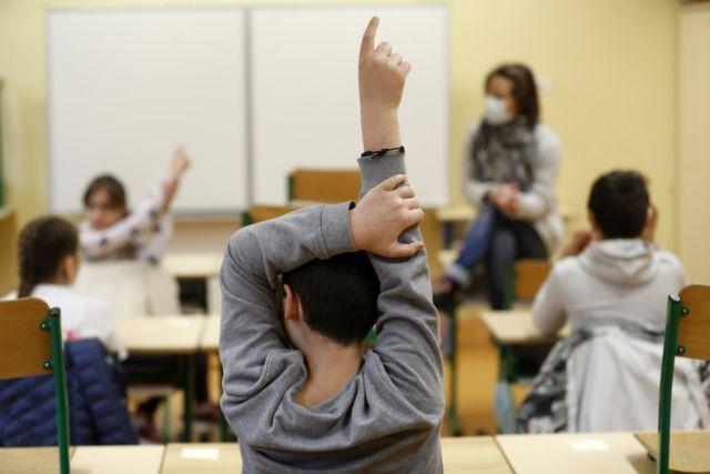 Παρατείνεται το σχολικό έτος για δύο εβδομάδες | tanea.gr