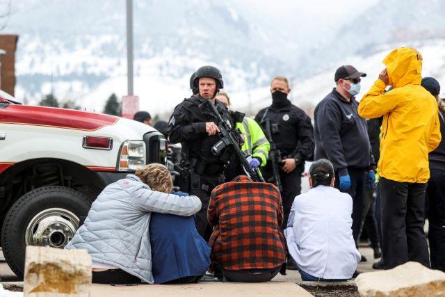 Μακελειό στο Κολοράντο : Πατέρας 7 παιδιών ο ήρωας αστυνομικός που έχασε τη ζωή του | tanea.gr