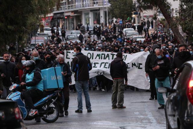 Πώς φτάσαμε στη βία κατά πολιτών στη Νέα Σμύρνη | tanea.gr
