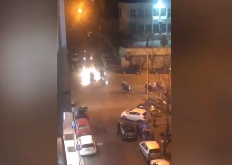 Επεισόδια στην Πανόρμου μεταξύ ομάδας ατόμων και αστυνομικών | tanea.gr