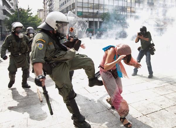 Η εποχή των «Μπουραντάδων» στην Ελληνική Αστυνομία έχει περάσει   tanea.gr