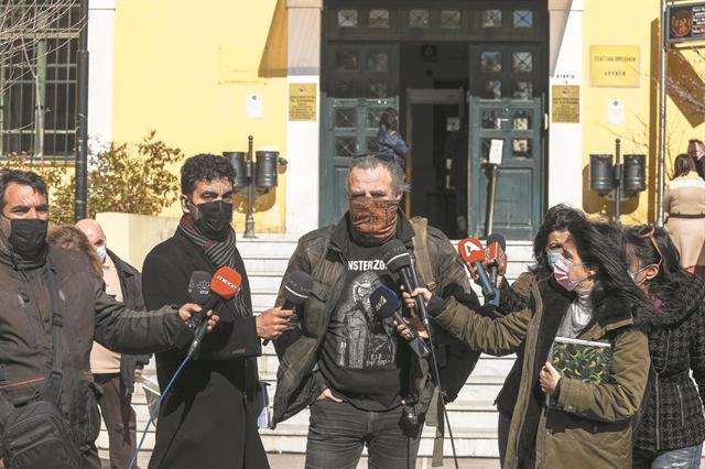 Σφίγγει ο κλοιός για τους τρεις γνωστούς ηθοποιούς   tanea.gr