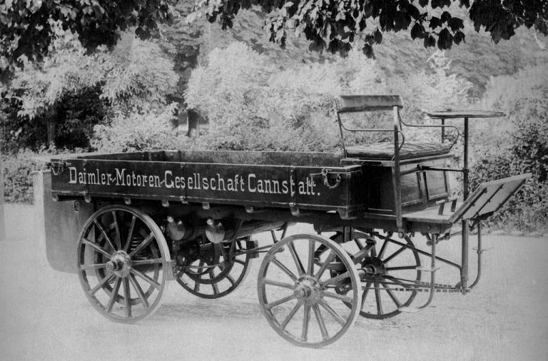 Το πρώτο φορτηγό της Mercedes-Benz είχε ξύλινους τροχούς και ισχύ 4 ίππων | tanea.gr