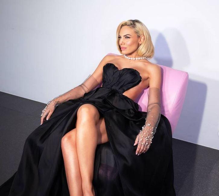 Ιωάννα Μαλέσκου: Τρίζει η καρέκλα της στο γυαλί;   tanea.gr