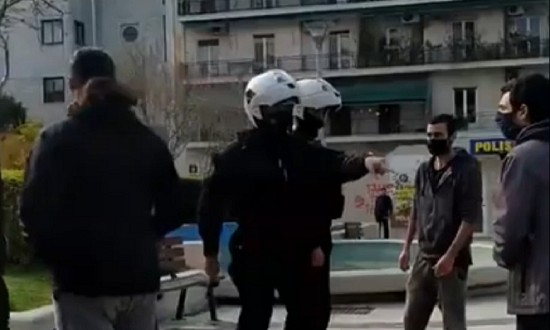 Νέα ερωτήματα για το περιστατικό αστυνομικής βίας στη Νέα Σμύρνη και το σενάριο της ΕΛ.ΑΣ   tanea.gr