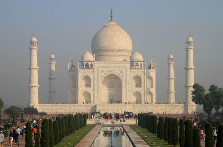 Ινδία : Εκκενώνεται το Ταζ Μαχάλ μετά από απειλή για βόμβα   tanea.gr