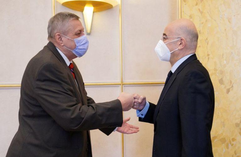 Ο Δένδιας συναντήθηκε με τον Ειδικό Απεσταλμένο του ΟΗΕ για την Λιβύη | tanea.gr