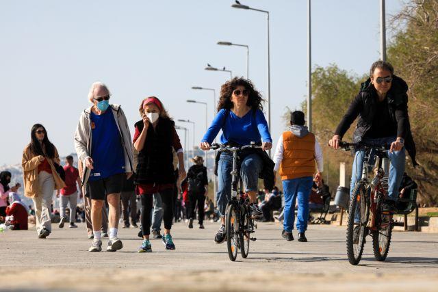 Μετακινήσεις με κωδικό 6 μόνο με τα πόδια προανήγγειλε η Πελώνη | tanea.gr