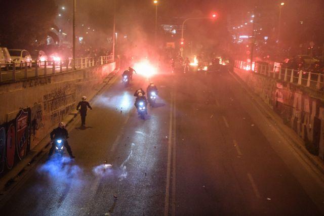 Νέα Σμύρνη: Οι διάλογοι της ΕΛ.ΑΣ την ώρα της επίθεσης στον αστυνομικό | tanea.gr