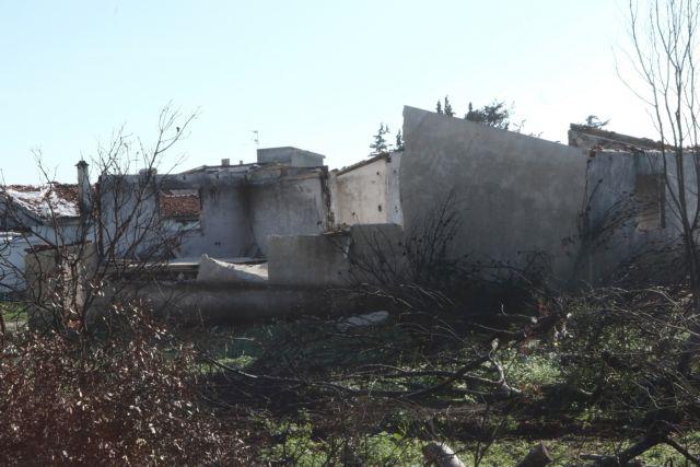 Ζητούν από πυρόπληκτους στο Μάτι να φύγουν από τις κατασκηνώσεις του Αγ. Ανδρέα   tanea.gr