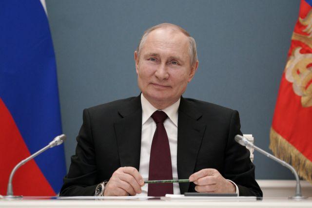 O Πούτιν δεν αποκαλύπτει πoιο εμβόλιο Covid-19 θα προτιμήσει | tanea.gr