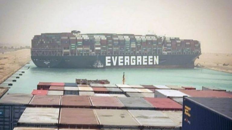 Διώρυγα Σουέζ : Άγνωστο πότε θα αποκατασταθεί η ναυσιπλοΐα | tanea.gr