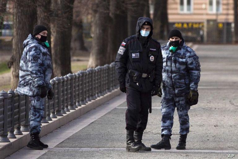 Ρωσία : Επίθεση με χημική ουσία στα γραφεία της αντιπολιτευόμενης εφημερίδας Novaia Gazeta | tanea.gr