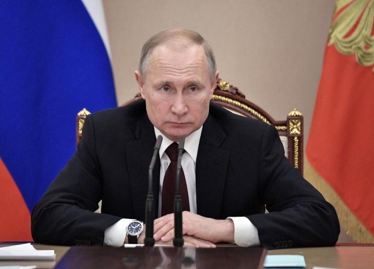 Γιατί ο Πούτιν δεν εμβολιάστηκε μπροστά στις κάμερες;   tanea.gr