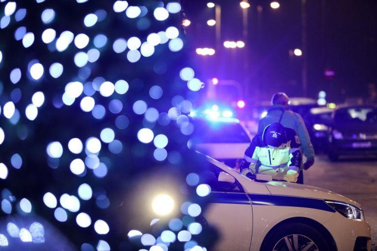 Συλλήψεις και πρόστιμα στη Θεσσαλονίκη για πάρτι και ανοιχτά μπαρ   tanea.gr