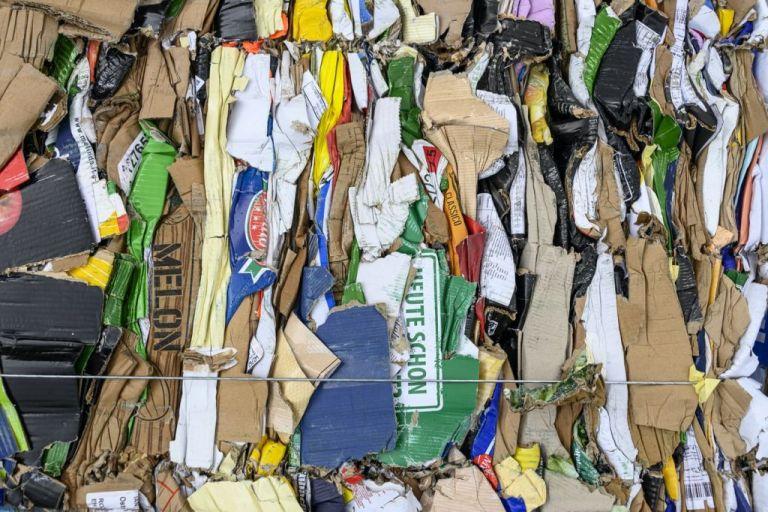 Πόσο φαγητό πετάνε οι Έλληνες κάθε χρόνο στα σκουπίδια   tanea.gr