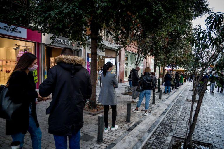 Κοροναϊός : Χαραμάδα αισιοδοξίας για το άνοιγμα του λιανεμπορίου | tanea.gr
