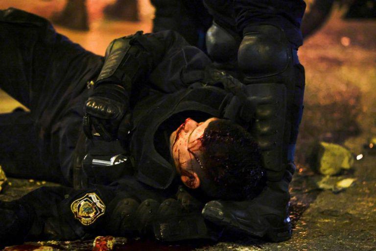 Νέα Σμύρνη: Πώς περιγράφουν στις καταθέσεις τους οι αστυνομικοί τα επεισόδια   tanea.gr