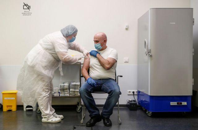Ο εμβολιασμός με το Sputnik V «καλό είναι να επαναλαμβάνεται ανά εξάμηνο» | tanea.gr