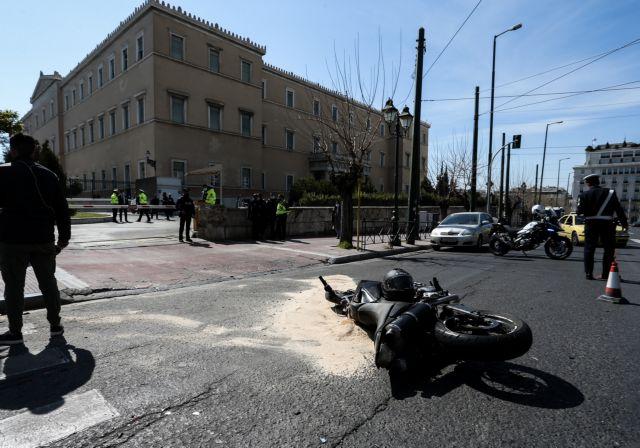 Τροχαίο στη Βουλή: Κατέθεσε ο διανομέας | tanea.gr
